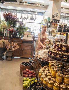 Fruit Shop Interior Retail 35 Ideas For 2019 Deli Shop, Farm Store, Pie Store, Fruit Shop, Boutique Deco, Store Displays, Market Displays, Retail Displays, Fruit Displays