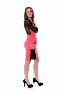 Rochie eleganta cu peplum lateral si decupaje transparente din dantela. Peplum, Formal Dresses, Fashion, Dresses For Formal, Moda, Formal Gowns, Fashion Styles, Formal Dress, Veil