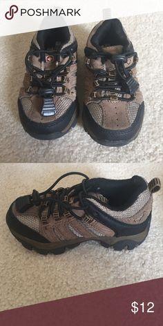 Swiss gear toddler shoes Like new Swiss Gear Shoes