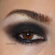 #tbn 's Steal the Night and Gold Shimmer #mineral #pigment by #krimzinart #vegan #crueltyfree #makeup #cosmetics #eotd #thebodyneeds www.thebodyneeds2.com