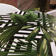 Feel the Pattern 🌴  #Pelitable #Peli #modernart  #mosaicart #mosaicsurface #interiordesign #design #homedecor #laminateflooring #laminatedesign #homerenovation #flooring  #digitalprinting #floor #peliparquet #treads #furniture #laminateveneer #instadecor #interieri #casa #interiorideas #room #house #cafe #kitchen #office #esthetic
