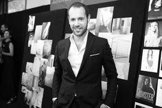 le directeur artistique de Salvatore Ferragamo, Massimiliano Giornetti http://www.vogue.fr/mode/inspirations/diaporama/les-coulisses-de-la-fashion-week-printemps-ete-2014-a-milan-jour-5/15345/image/846831#!le-directeur-artistique-de-salvatore-ferragamo-massimiliano-giornetti