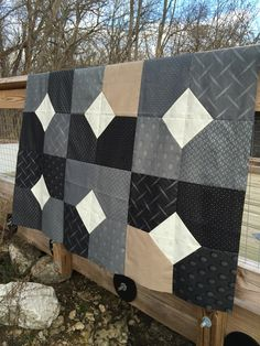 Easy Big Block Quilts Easy Big Block Quilt Patterns Free Layers Of Charm Quilt Pattern Or Mogo Planted Seed Designs - Easy Quilt Patterns For The Newbie Quilter Easy Big Block Quilt Patterns Free Easy Big Block Quilts. Layer Cake Quilt Patterns, Charm Pack Quilt Patterns, Layer Cake Quilts, Modern Quilt Patterns, Quilts For Men Patterns, Fat Quarter Quilt Patterns, Quilting Ideas, Modern Quilting, Quilting Fabric