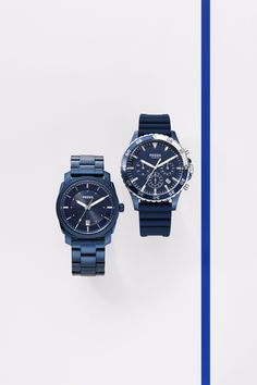 36a9b05274d A blue color plated watch is the perfect holiday gift for him. Relógio De  Aço