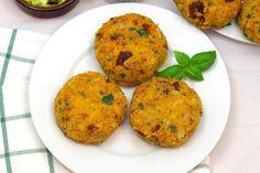 Kotlety z ciecierzycy i suszonych pomidorów Gluten Free Recipes, Baked Potato, Free Food, Potatoes, Eggs, Baking, Dinner, Breakfast, Ethnic Recipes