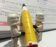 Study time #lego #legos #legostagram #legophotography #legostarwars #legostormtrooper #legostormtroopers #starwars #stormtrooper #stormtroopers #study #studying #studytime #legobr by legobr_