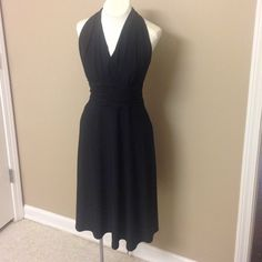 Evan Picone black formal dress Beautiful black flowy dress with fitted bodice. Size 8P Evan Picone Dresses