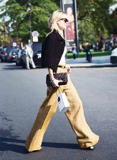 Look de Pernille // yellow wide leg tweed trouser  + black capelet