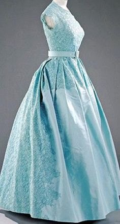 Norman Hartnell - Robe de Cérémonie - Soie et Dentelle, Boléro et Ceinture - Princesse Elizabeth au Mariage de la Princesse Margaret - 1960