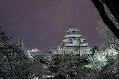 雪に覆われた会津若松鶴ヶ城。 今宵は熱燗ですね。Tsurugajo castle in Aizuwakamatsu Fukushima prefecture