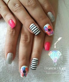 Gel de calcio sobre uña natural con acabado finish  Daymond NailArt