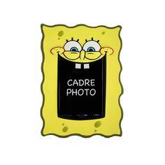 Un joli cadre photo déco de Bob l'éponge - Tout jaune, le cadre photographie est à poser sur un bureau ou à acrrocher à un mur de chambre d'enfant  http://www.lamaisontendance.fr/catalogue/cadre-photo-deco-bob-leponge/  #cadrephoto #portephoto #bobleponge #spongebob