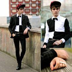"Matthias Cornilleau - Aloha Helsinki Ring, Blazer, Wholesale 7 Sweater, Black Skinny, Black Derbies, Menlook Label Bowtie, Asos Cap - ""Vega"""