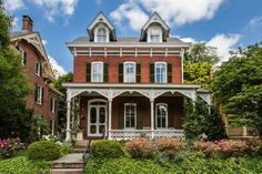 Exquisitely restored Victorian wants $875K - Curbed