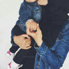 and baby hijab (notitle) Cute Baby Boy Images, Cute Kids Pics, Cute Baby Photos, Baby Girl Pictures, Mother Son Pictures, Cute Girl Pic, Cute Baby Girl, Mom And Baby, Cute Babies Photography