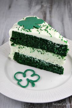 Green Velvet with Cheesecake in the middle from @RecipeGirl Lori