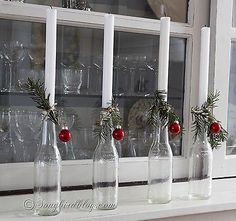 Last Trending Get all images simple christmas decorations Viral simple christmas decoration Nordic Christmas, Simple Christmas, Christmas Home, Christmas Holidays, Christmas Crafts, Xmas, Easy Christmas Decorations, Christmas Candles, Christmas Wreaths