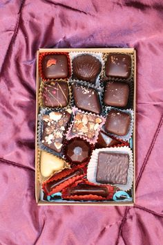 Read my review of the artisan chocolate shop, Lagusta's Luscious, and their vegan, organic confections!