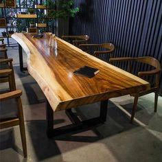 Masa rustica din lemn masiv de nuc | Mobier