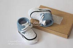 Crochet baby booties unisex baby shoes unisex baby boots