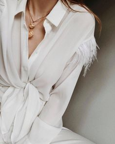 1,564 отметок «Нравится», 33 комментариев — Yanina (@diaryofdays) в Instagram: «crème de la crème 🍦 #2inwarsaw #weekend #springiscoming #details #white #favecolor»