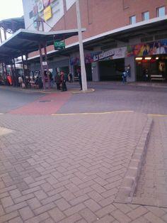 Buszvégállomás Vértes Center itt: Tatabánya, Komárom-Esztergom megye