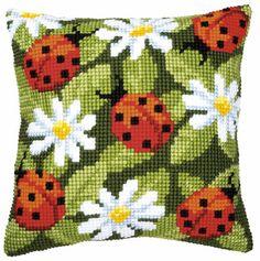 Kruissteek pakket: http://www.henrcreatief.nl/1-handwerken/635-kussenpakket-vervaco-bloemen-nr-1200103-lieveheers-beestjes-op-bloemen