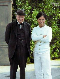 "Charlie Chaplin and future British Prime Minister Winston Churchill in Los Angeles, United States on the set of Chaplin's film ""City Lights"" on 24 September Credit: Charlie Chaplin, Vevey, Silent Screen Stars, Charles Spencer Chaplin, Hollywood Actor, Silent Film, Film Director, Funny People, Comedians"