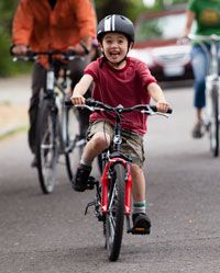 How to Teach a Child to Ride a Bike - REI Expert Advice