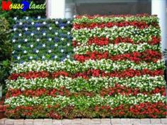 Red white and blue flowers make a creative american flag flag floral flag usa americanflag pinsland httpsappsfacebookyangutu mightylinksfo