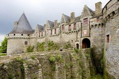 9.  Château de Pontivy:  The Pontivy castle built in the 15th century in Morbihan, is one of the most well-preserved medieval castles and is also called the Castle of the Dukes of Rohan, or the Chateau des Rohan.