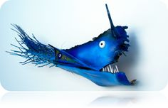 Blue Jaw Fish Palm Frond Art, Palm Fronds, Tire Chairs, Painted Leaves, Fish Art, Under The Sea, Palm Trees, Carving, Seed Pods