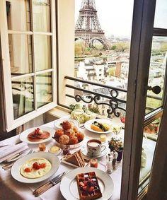 Shangri-La Hotel, Paris via Tara Milk Tea Hotel Paris, Paris Hotels, Paris Paris, Paris Cafe, Breakfast And Brunch, Hotel Breakfast, Breakfast In Paris, Breakfast Tables, Morning Breakfast