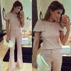 Conjunto de couro @bambolarp Amei muuuito! Modelagem da calça perfeita, daquelas que alongam super • #lookdanoite #lookofthenight #ootn #selfie #blogtrendalert