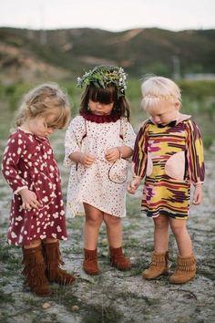 Cute kids with cute moccasin boots. Little hippies. Little Girl Fashion, My Little Girl, Fashion Kids, Look Fashion, Fashion Dolls, Cool Baby, Baby Kind, Cute Kids, Cute Babies