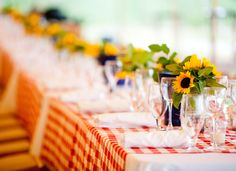 Checkered table cloths & sunflowers