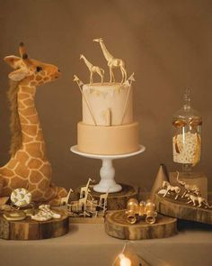 Ideas For Party Games Dinosaur Baby Shower Baby Shower Cakes, Baby Shower Giraffe, Safari Baby Shower Cake, Baby Party, Baby Shower Parties, Baby Shower Themes, Shower Party, Babyshower Themes For Boys, Shower Ideas