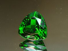 8mm Russian chrome diopside (Photo by the amazing GemstoneJeff via Flickr