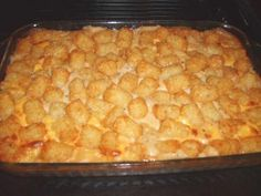 Tater tot casserole - from the Duggar family's recipe . So easy, cheap and GOOD! I wont use turkey tho, ill use beef Duggar Tater Tot Casserole, Cheap Meals, Easy Meals, Frugal Meals, Great Recipes, Favorite Recipes, Dinner Recipes, Dinner Ideas, Crockpot Recipes