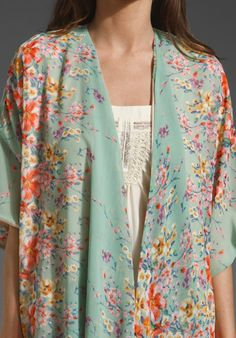Lovebirds Kimono in Sea Green Floral