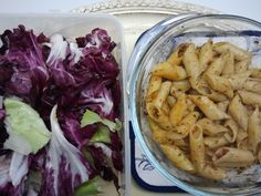 Every wednesday a new #inmylunchbox: Pasta with red pesto and salad, follow me on Twitter