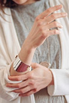 not sure if I'd want to wear this because I don't wear bracelets, but the simplicity of the cuff is so nice! Modern and chic and feminine and simple