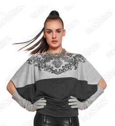 Comfortable two tonal cotton top, embellished with delicate floral print. For the coolest take, wear this relaxed-fit style with skinny pants and pumps.http://29desires.eu/eu/new-arrival/floral-printed-cotton-top-l5308.html  #urban #fashion #style