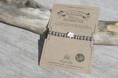 Snuggles-Cottage Shop Armbänder - Armband Ninke graue Holzperlen &amp…