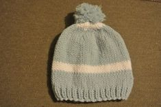 Knitted Hats, Knitting, Bandeau, Gilets, Folklore, Point, Diy, Pom Poms, Caps Hats