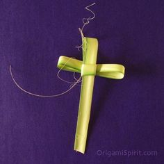 Palm Sunday Cross - How To  Did this in Sunday School every Easter when growing up.