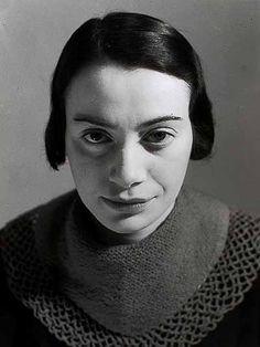 Dora Gerson, by Eva Besnyö