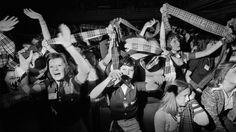 Fans en délire à un concert des Bay City Rollers, Newcastle, Tyne and Wear, années 1970.