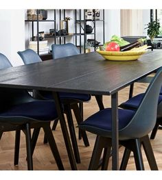 Eettafel Silas zwart geborsteld eiken 220x90x75cm - wonenmetlef.nl Oak Dining Table, Dining Chairs, Table Haute, Dinner Room, New Homes, Interior, Furniture, Design, Home Decor