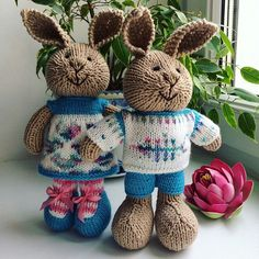 Knitted Bunnies, Knitted Dolls, Rabbit Toys, Bunny Toys, Yarn Projects, Knitting Projects, Knit Or Crochet, Crochet Toys, Knitting Stitches
